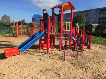 Обустроенная детская площадка